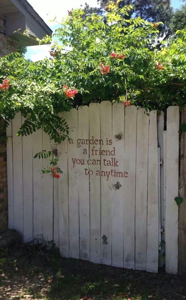 12 Beautiful DIY Fence Decoration Ideas