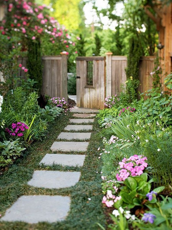 15 Absolutely Stunning Side Yard Decor Ideas You Must See on Side Yard Path Ideas id=47283