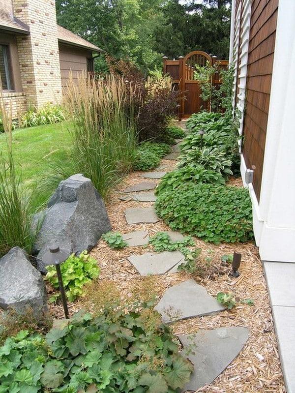 15 Absolutely Stunning Side Yard Decor Ideas You Must See on Backyard Side Yard Ideas id=67817