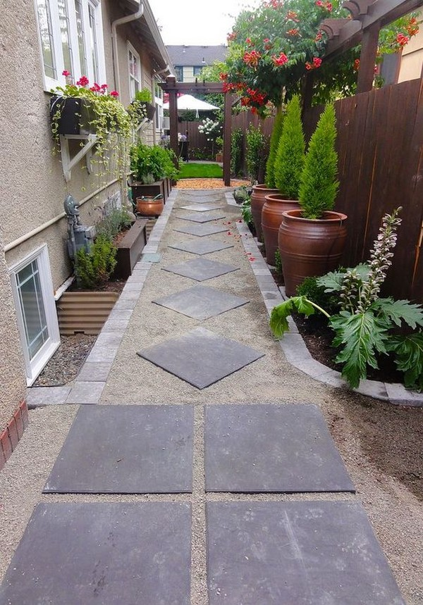 15 Absolutely Stunning Side Yard Decor Ideas You Must See on Side Yard Path Ideas id=18674