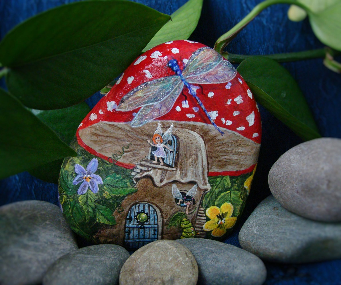 Painted Garden Stones: Painted Stones Are The Cheapest And Easiest Decor For Gardens