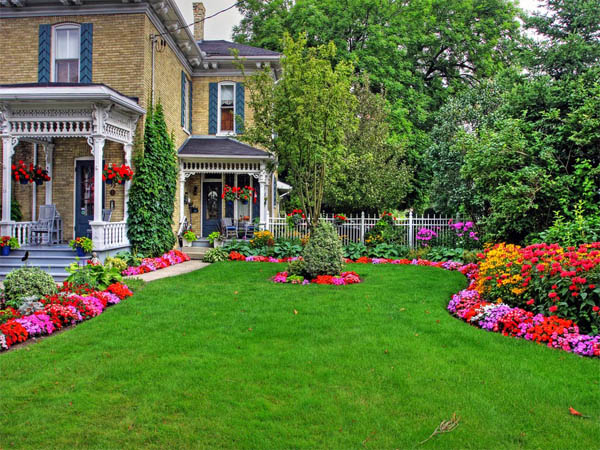 18 Wonderful And Welcoming Front Porch Landscaping Ideas