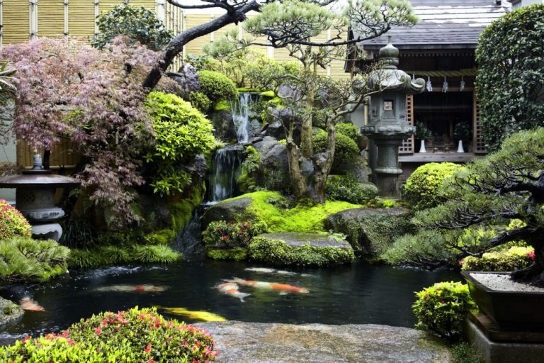 breathtaking modern zen gardens | 25 Amazing Japanese Gardens To Bring Zen Into Your Life
