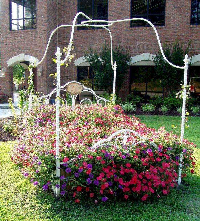 15. Bed Garden