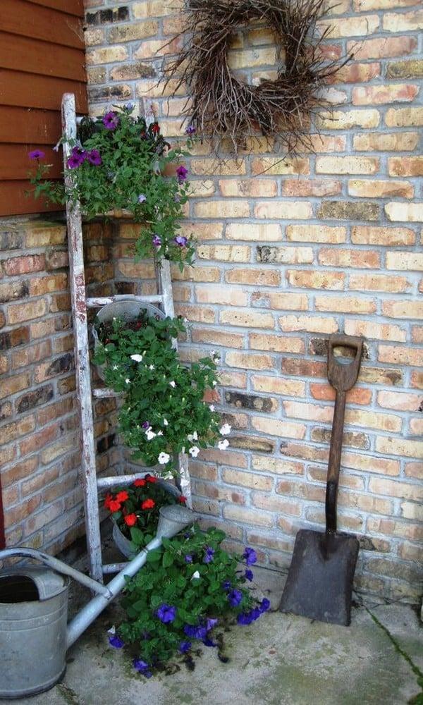 15 Vintage Garden Decor Ideas That Will Blow Your Mind on Garden Decor Ideas  id=27908