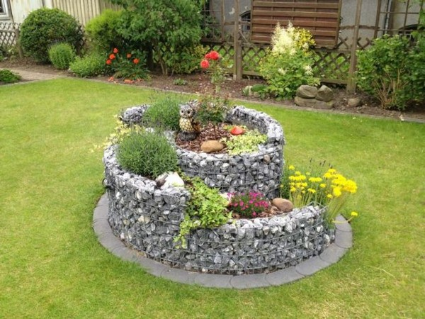 16 Amazing and Cool Raised Garden Bed Ideas For Your Backyard on Garden Bed Ideas For Backyard id=12132