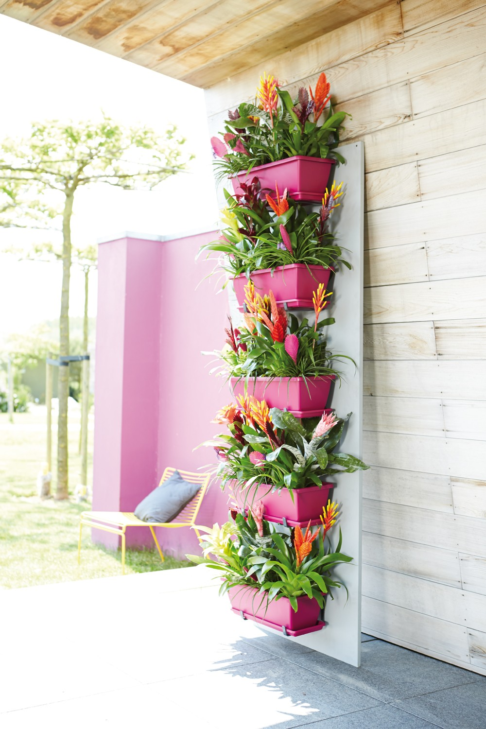 20 superb ideas vertical gardens that will change the design of your here are some amazing vertical garden ideas to inspire you sisterspd