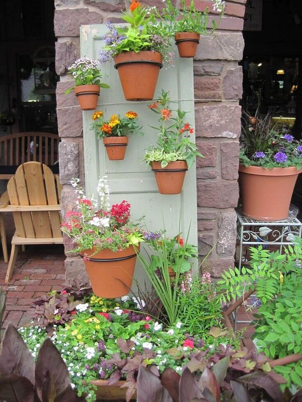 Ways to create a gorgeous outdoor area with repurposed - Astuce deco jardin recup ...