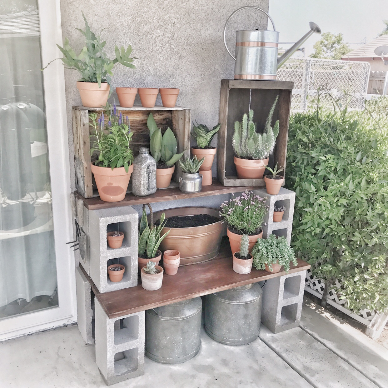 The Cool Things People Are Doing With Cinder Blocks In Their Gardens